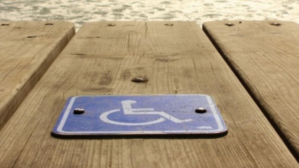 Access to the beach for weelchair